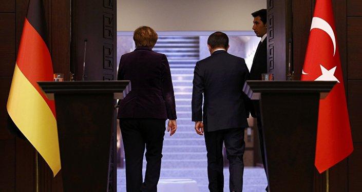 Bundeskanzlerin Angela Merkel und der türkische Premier Ahmet Davutoğlu